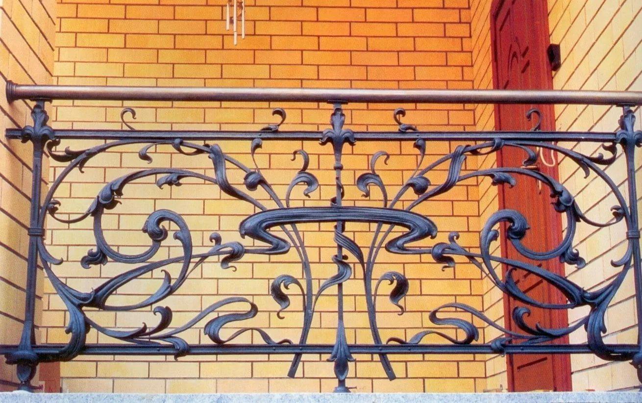 Изготовление кованых французский балконов в перми по достцпн.